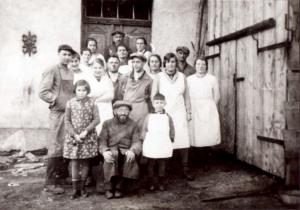 Belegschaft der Matzenbäckerei Joseph (Laufersweiler, 1929)